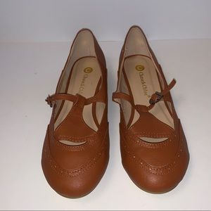 NWOT Chase and Chloe Brown Flats